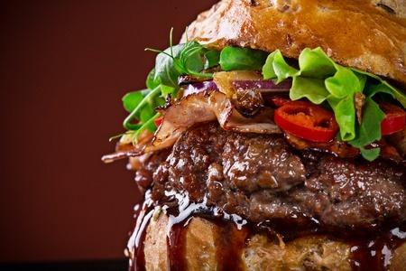 grill-rezept-rotwein-burger-grillen-grillieren