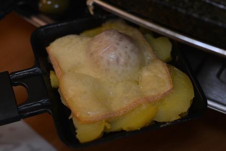 Raclette schmeckt nicht nur super, sondern fördert auch die Gemeinschaft.