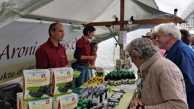 Aronia Produkte am Marktstand